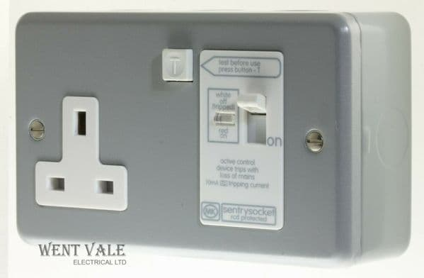 MK Metalclad Plus  K6102 ALM - 13a 10mA Single Active Switched RCD Sentry Socket